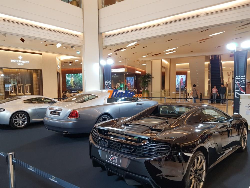 Trưng bày siêu xe đắt đỏ trong trung tâm thương mại tại Thái Lan