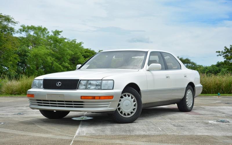 Bán ra chưa được bao lâu, Lexus đã ra lệnh triệu hồi LS 400