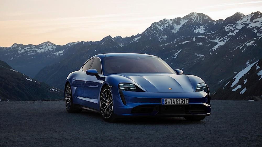 Mẫu xe điện đầu tiên của Porsche có giá bán không hề rẻ nhưng không vì thế mà kém hấp dẫn người mua