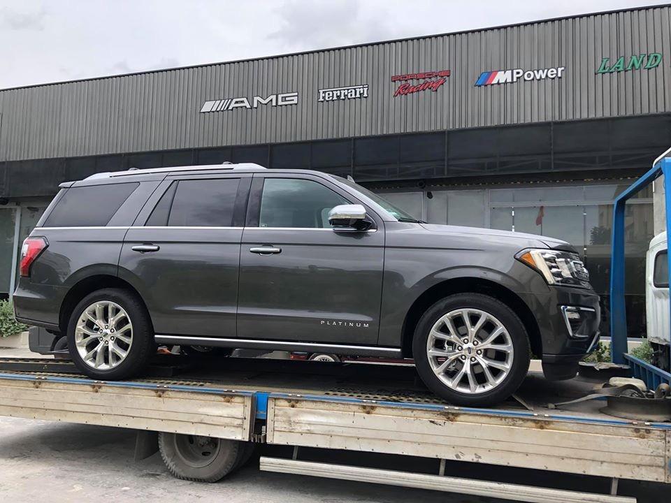 Chiếc Ford Expedition thế hệ mới được đưa về Việt Nam qua con đường nhập khẩu tư nhân