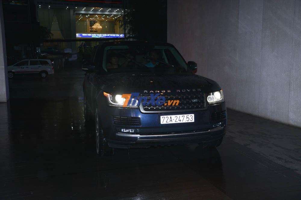 Khách đến dự tiệc cưới con gái Minh Nhựa còn đi trên những chiếc SUV hạng sang khác của Range Rover