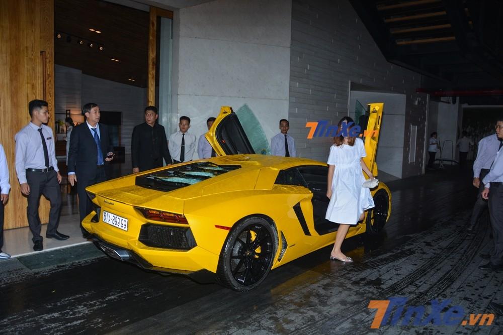 Trải qua 7 năm có mặt tại Việt Nam, siêu xe Lamborghini Aventador LP700-4 màu vàng chưa từng được rao bán lại