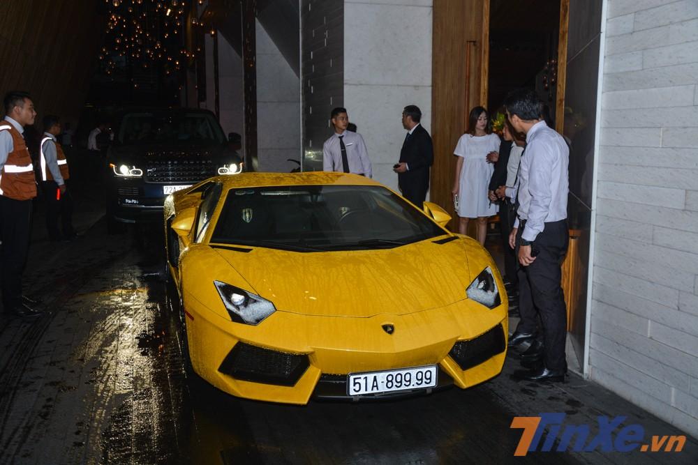 Chiếc Lamborghini Aventador LP700-4 này có giá bán không dưới 21 tỷ đồng