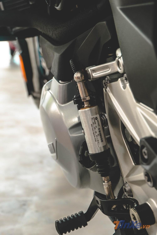Xe còn sở hữu bộ Quick Shift 2 chiều giúp việc sang số nhanh nhẹ nhàng và mượt mà hơn