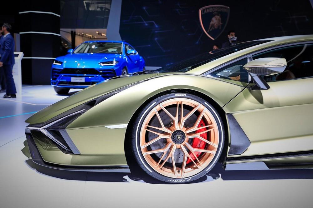 Lamborghini Sián có hệ thống phanh tái sinh năng lượng