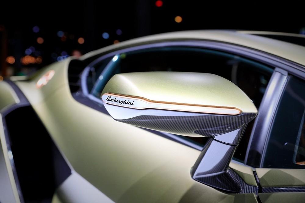 Gương chiếu hậu của Lamborghini Sián