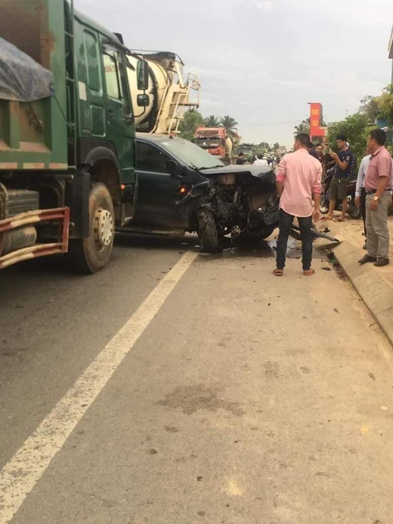 Chiếc xe bán tải gây tai nạn liên hoàn tại hiện trường