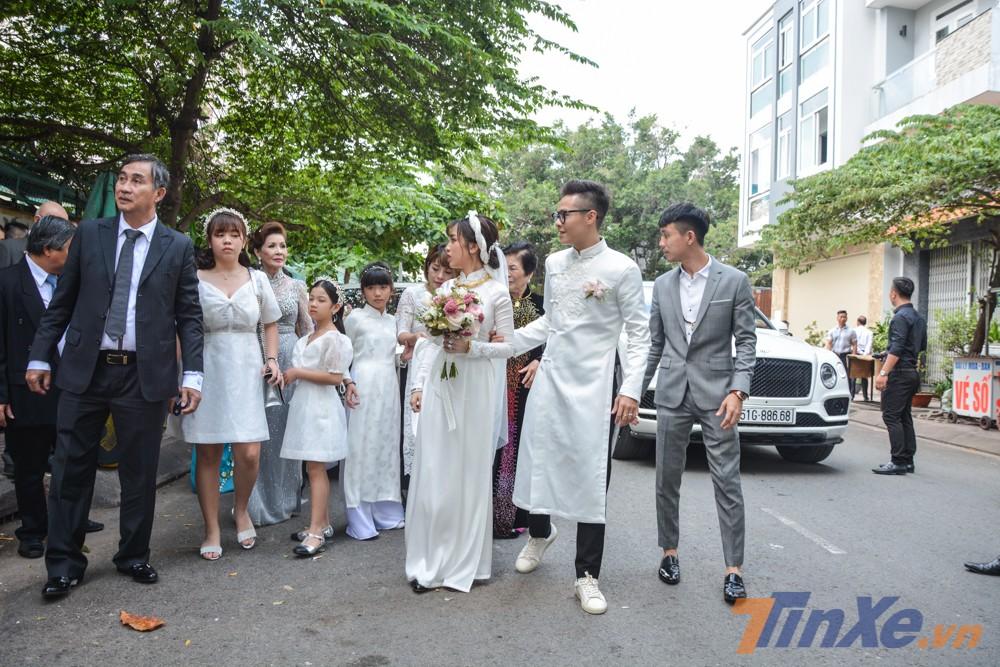 Đám cưới con gái Minh Nhựa