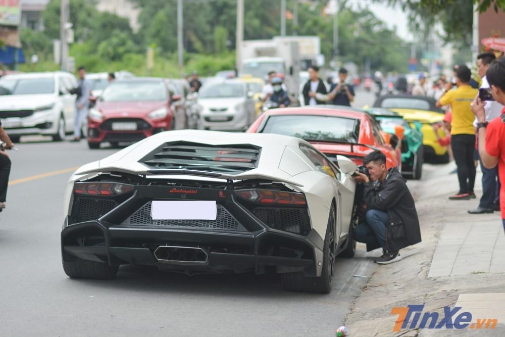 Siêu xe Lamborghini Aventador độ body kit LP720-4 50º Anniversario độc nhất Việt Nam được đưa về nước từ cuối tháng 3 đã gây chấn động trong giới chơi xe tại Việt Nam