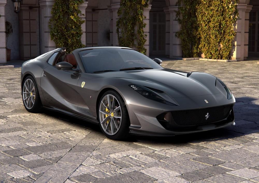 Siêu xe Ferrari 812 GTS 2020