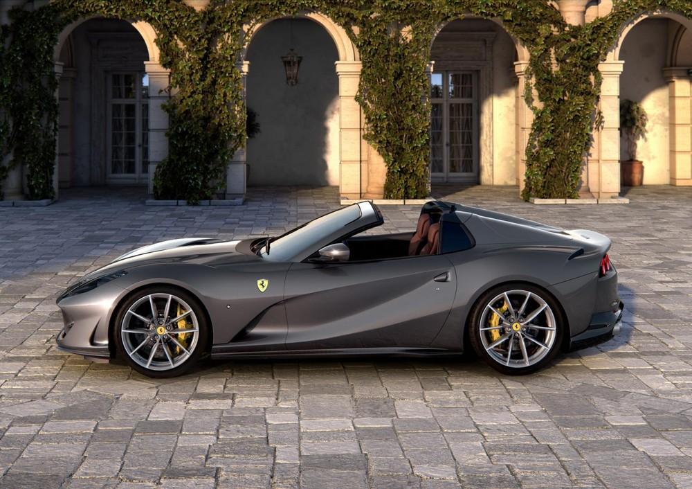 Siêu xe Ferrari 812 GTS là mẫu xe mui trần nhanh nhất thế giới