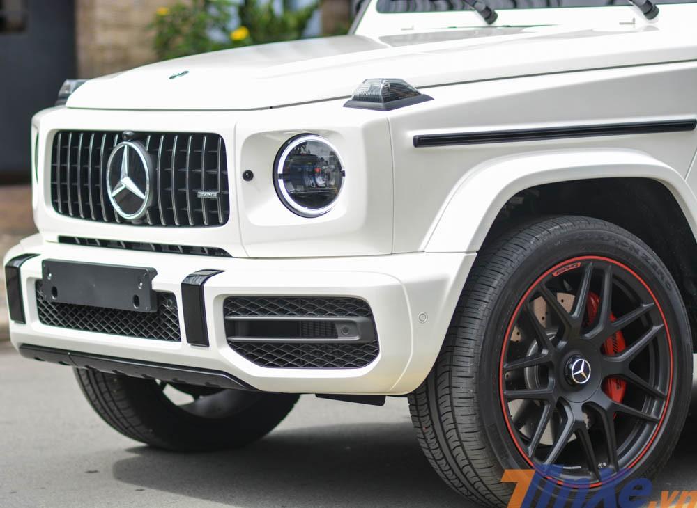 Mercedes-AMG G63 Edition 1 của doanh nhân Bình Dương thuộc thế hệ mới nên có phần đầu xe sửa đổi lại thiết kế so với phiên bản cũ