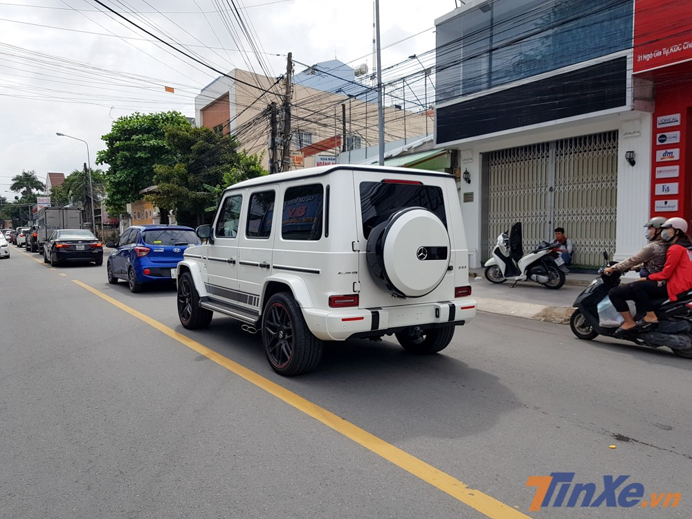 Số lượng ông vua địa hình Mercedes-AMG G63 Edition 1 màu trắng tại Việt Nam chỉ khoảng 3 chiếc