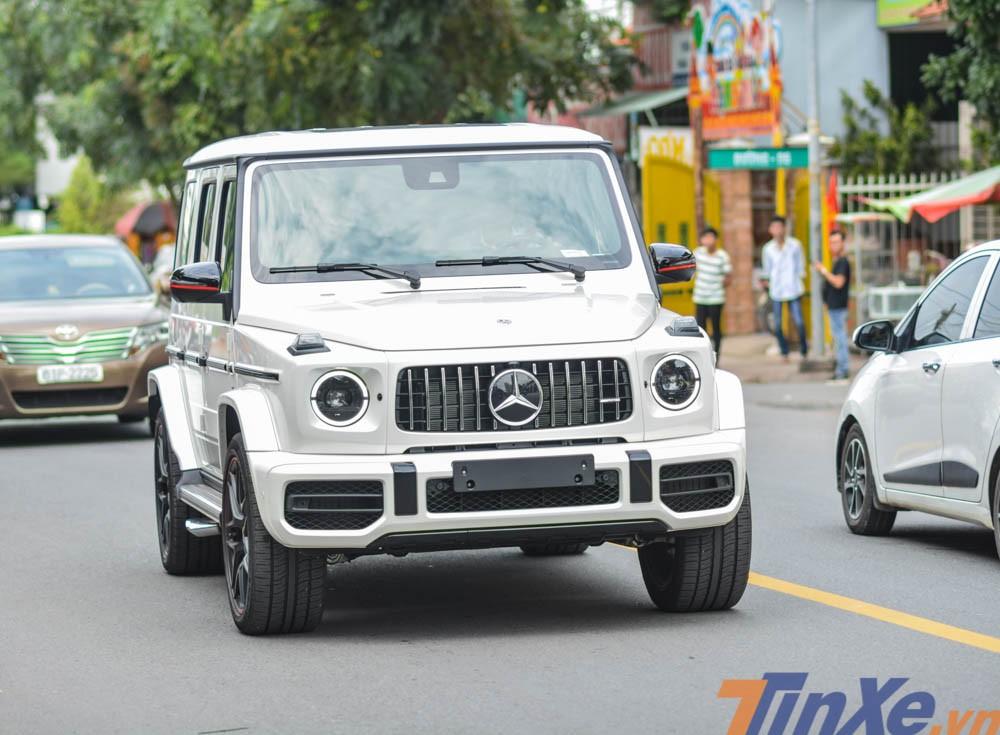 Vẻ đẹp của ông vua địa hình Mercedes-AMG G63 Edition 1 màu trắng tại Bình Dương