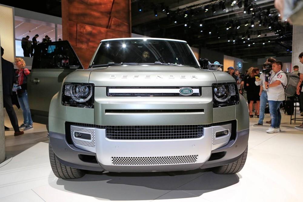 Cận cảnh thiết kế đầu xe của Land Rover Defender 2020