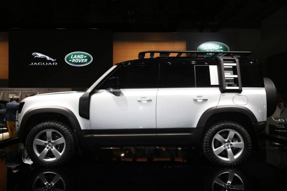 Land Rover Defender 2020 bản 110 với thiết kế 5 cửa