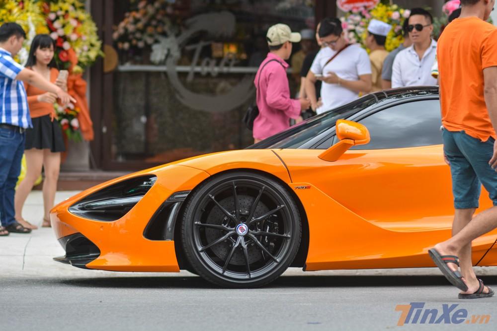 La-zăng độ trên siêu xe McLaren 720S màu cam của Cường Đô-la nằm trong bộ sưu tập mâm P1SC rất nổi tiếng của thương hiệu HRE