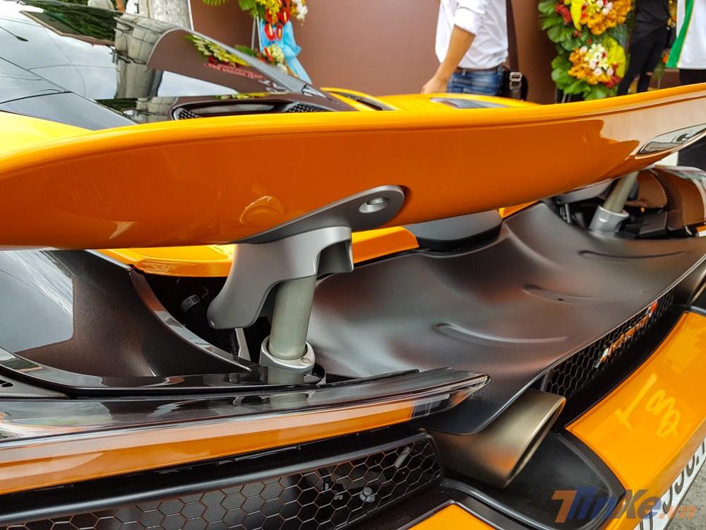 Tốc độ tối đa của siêu xe McLaren 720S là 341 km/h