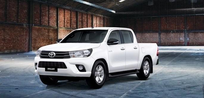 Toyota Hilux Trắng Ngọc Trai
