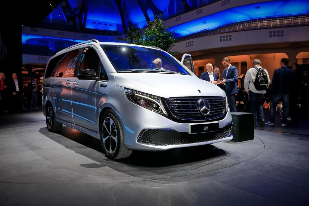Mercedes-Benz EQV được xem là mẫu MPV điện hạng sang đầu tiên trên thị trường