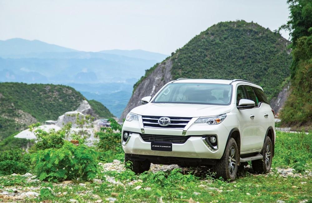 Sức bán của Toyota Fortuner trong tháng 8 giảm mạnh dù đã được đại lý ưu đãi giảm giá tới 60 triệu đồng