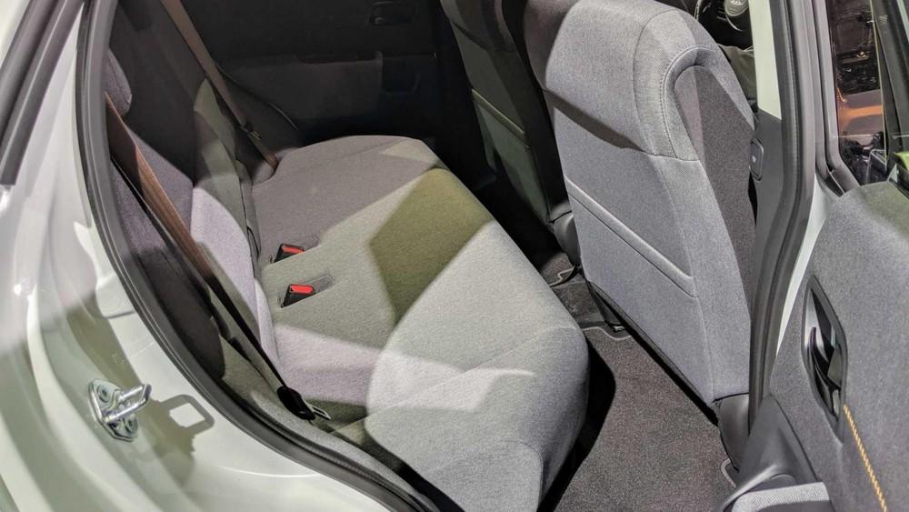 Ghế bọc nỉ như sofa của Honda e