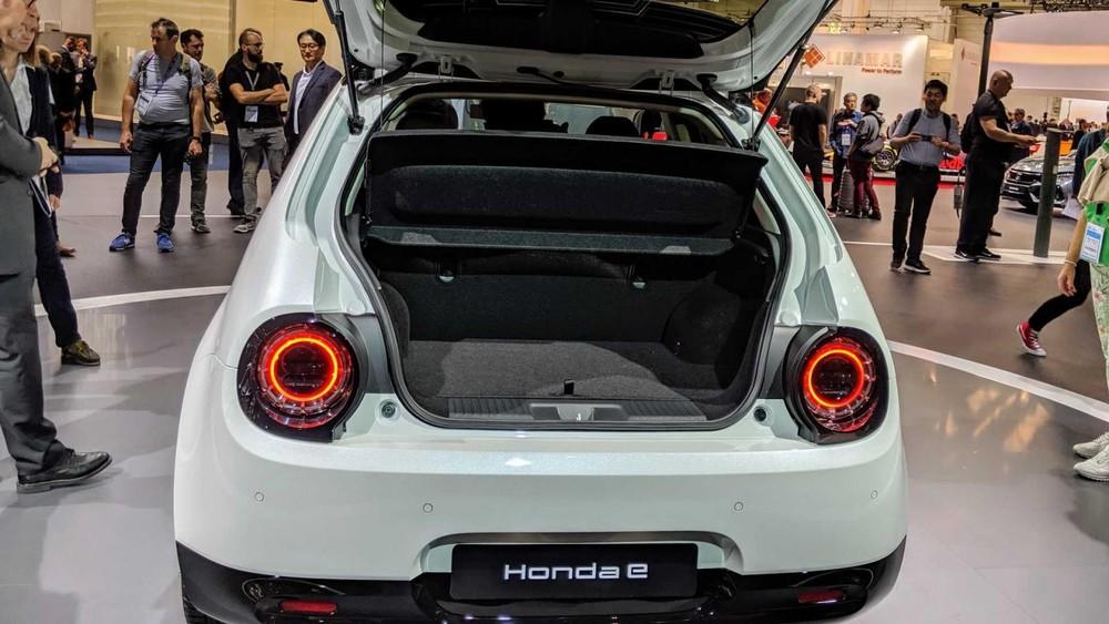 Honda e có giá khá hợp túi tiền