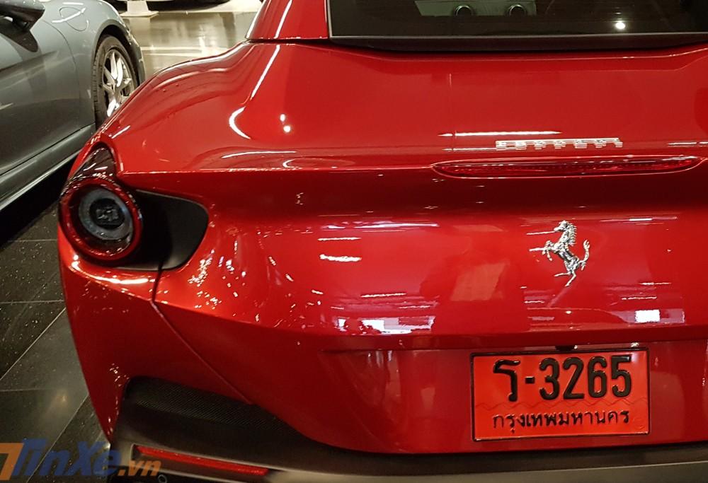 Vận tốc tối đa của siêu xe mui trần Ferrari Portofino là 320 km/h