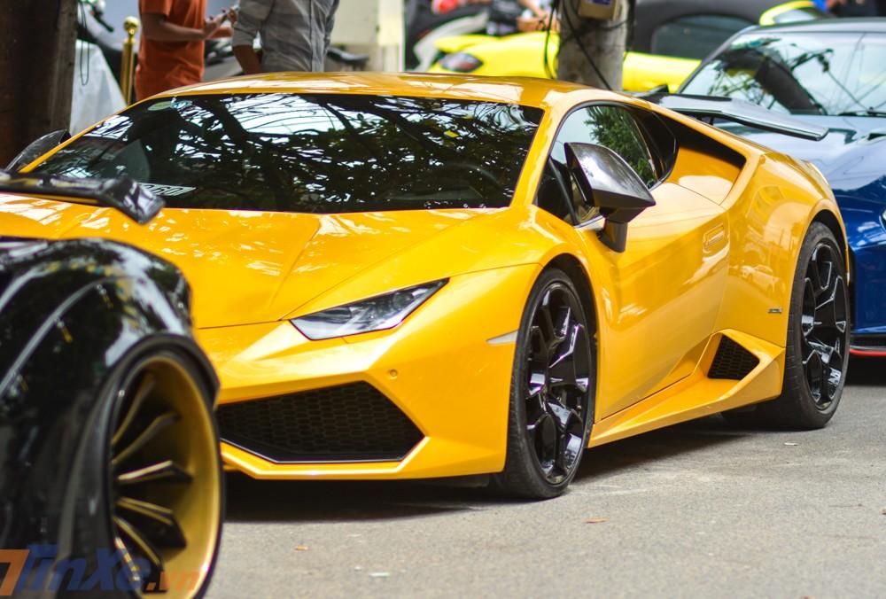 Siêu xe Lamborghini Huracan mang một phần gói độ Mansory độc nhất Việt Nam