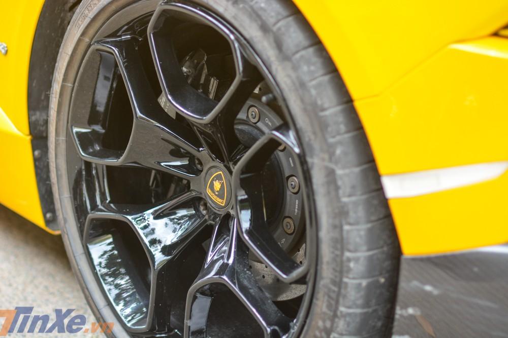 Bộ mâm 5 chấu kép nan hoa zin của siêu xe Lamborghini Huracan LP610-4