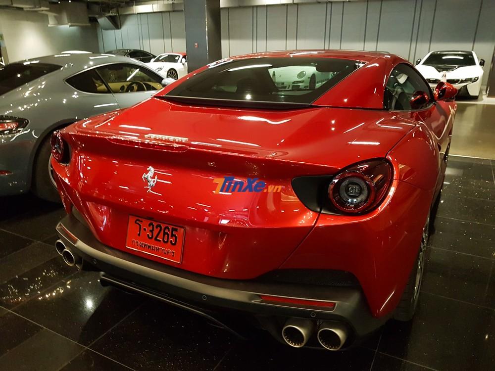 Hãng Ferrari đã trình làng mẫu siêu xe mui trần hoàn toàn mới mang tên gọi Portofino vào tháng 9/2017 tại triển lãm xe Frankfurt