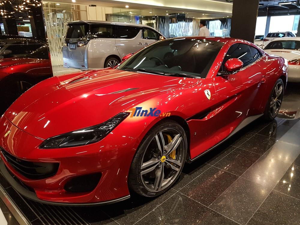 Ferrari Portofino chính là dòng siêu xe nối tiếp Ferrari California T đã có ít nhất 2 chiếc về nước theo diện nhập khẩu không chính hãng