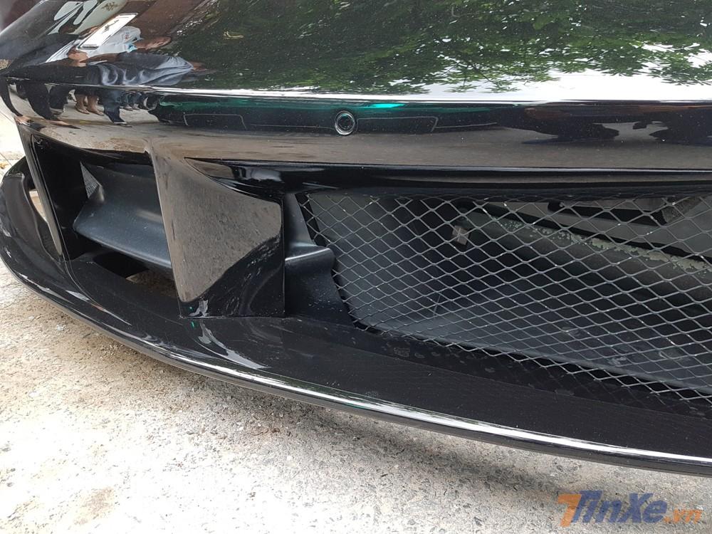 Thực tế bản độ siêu xe Ferrari 488 GTB Liberty Walk độc nhất Việt Nam còn có cản va trước rất hầm hố