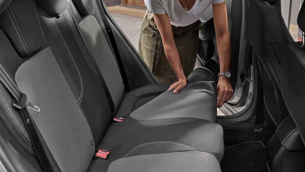 Bọc ghế trên xe Ford Puma Titanium X có thể tháo ra để vệ sinh