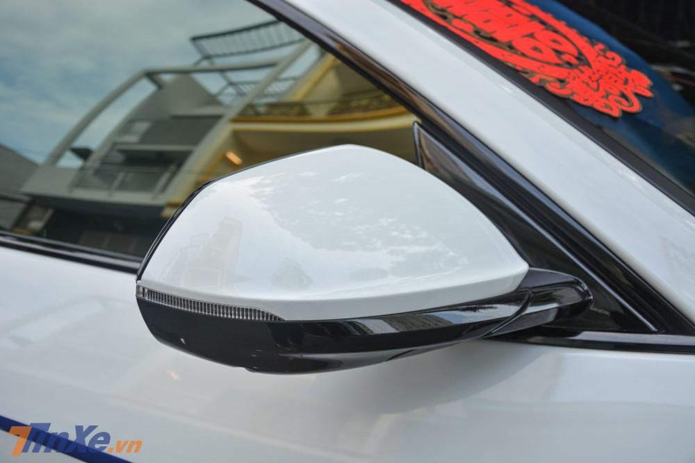 Lamborghini Urus của Minh Nhựa có màu sơn trắng Bianco Monocerus