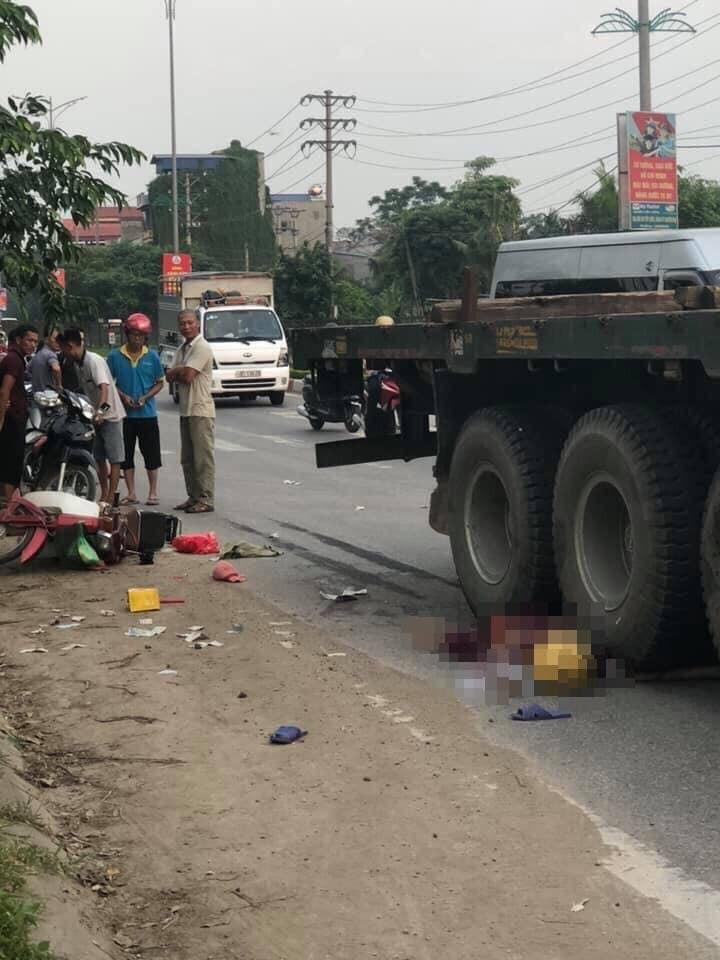 Chiếc xe máy hư hỏng nặng sau vụ tai nạn khiến 1 người tử vong tại Thái Nguyên (Ảnh: Facebook)