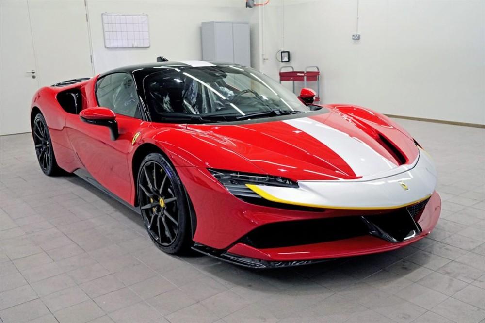 Thời gian giao hàng dự kiến của siêu xe Ferrari SF90 Stradale tại Singapore là vào năm 2021