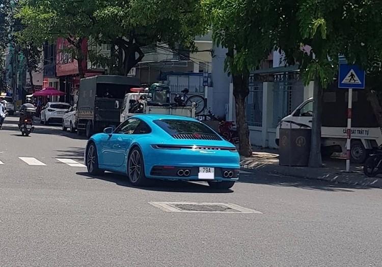 Hiện tại chiếc Porsche 911 Carrera S 2020 đã ra biển số trắng của tỉnh Khánh Hoà