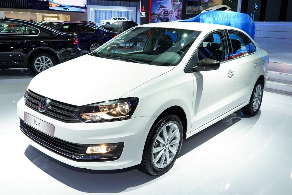 Trong bảng giá xe Volkswagen 2019, Polo sedan và hatchback có giá lần lượt là 699 và 695 triệu Đồng.
