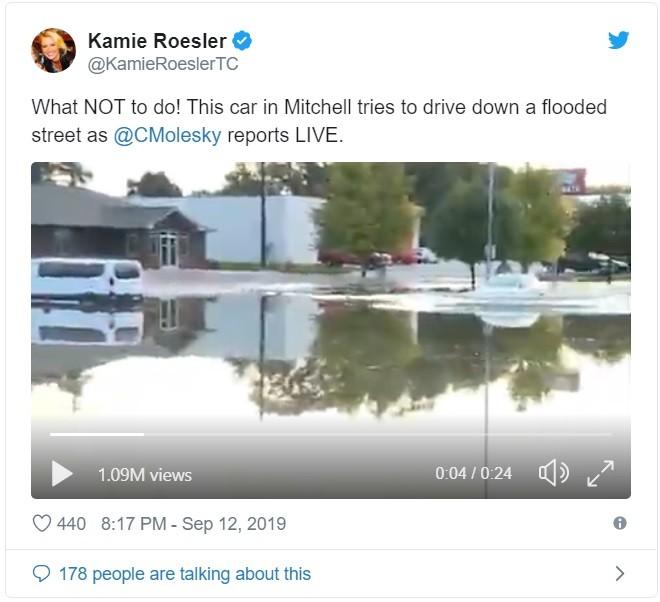 Video ghi lại hình ảnh chiếc Tesla Model X vượt đường ngập đã thu hút cả triệu lượt xem trên Twitter