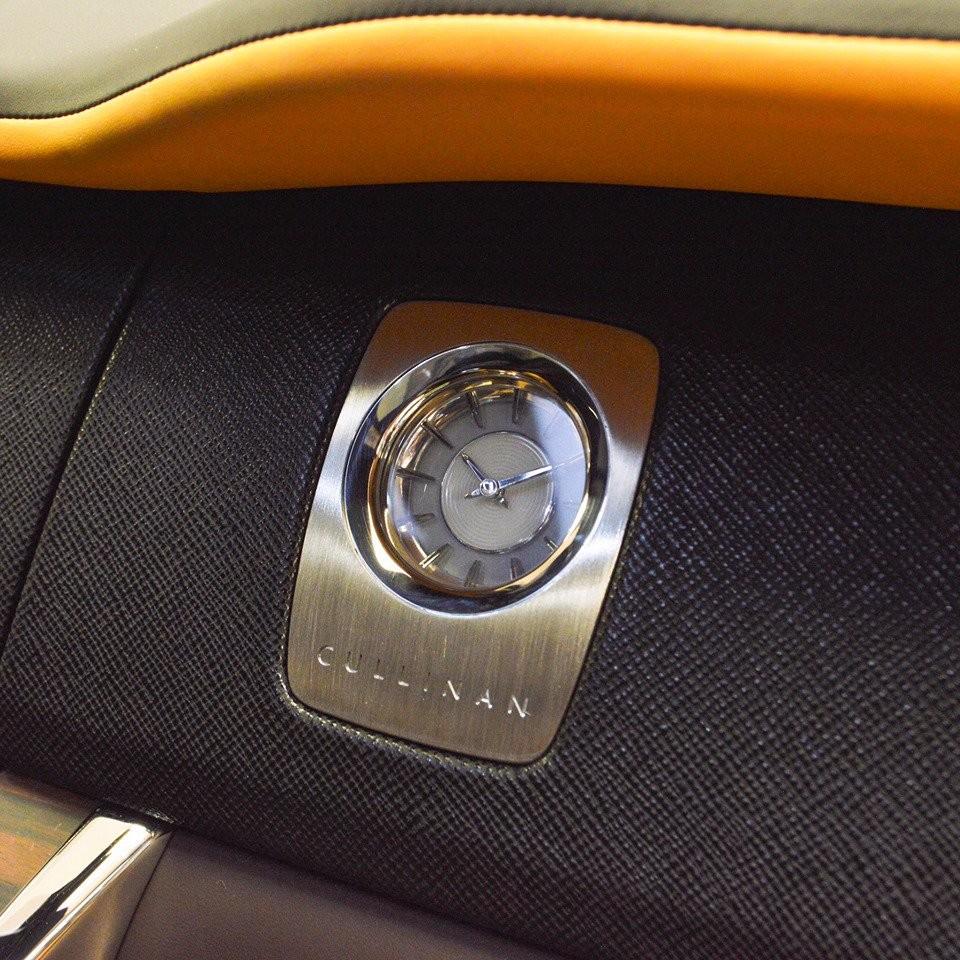 SUV siêu sang Rolls-Royce Cullinan này vẫn được trang bị động cơ V12