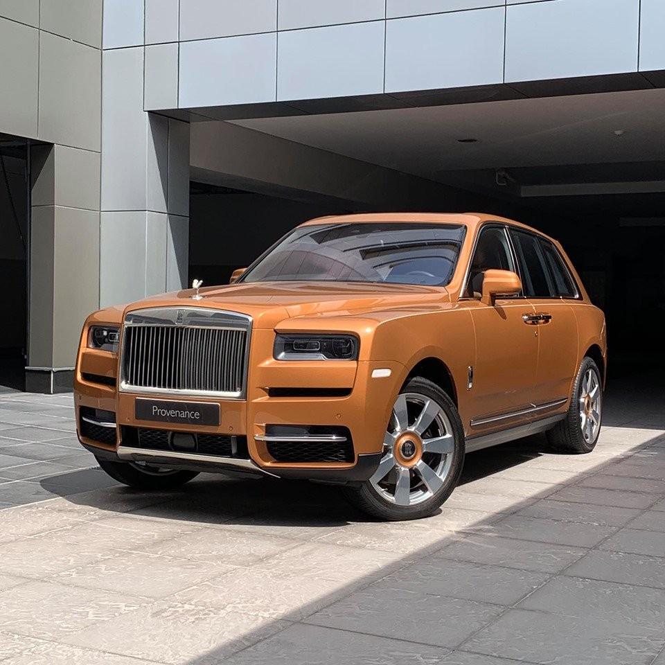 SUV siêu sang Rolls-Royce Cullinan màu siêu độc của giới nhà giàu Trung Đông