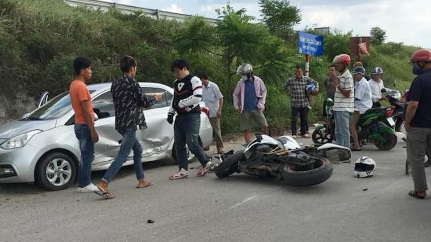 Vụ tai nạn giữa xe mô tô Honda CBR1000RR và xe ô tô Hyundai i10 xảy ra tại khu công nghiệp Quang Châu, Bắc Ninh