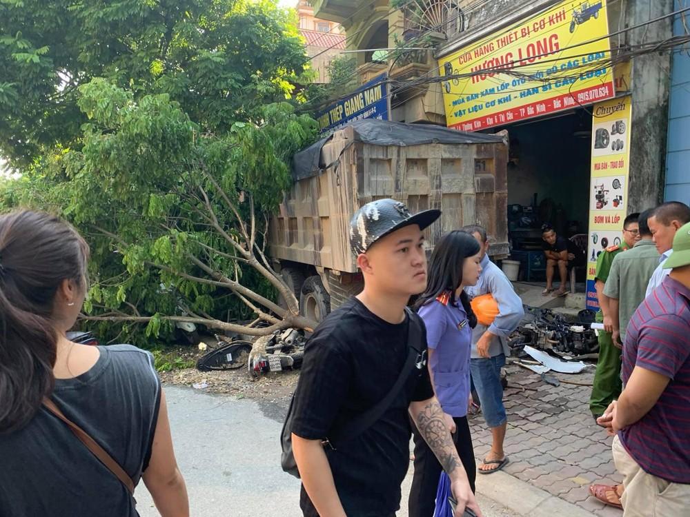 Hiện trường vụ tai nạn liên hoàn tại Bắc Ninh