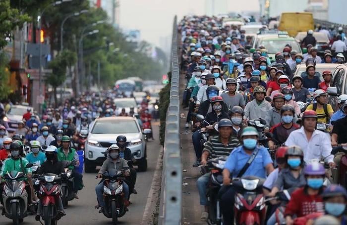 Xe mô tô và xe gắn máy là 2 khái niệm khác nhau, chịu mức tốc độ giới hạn khác nhau