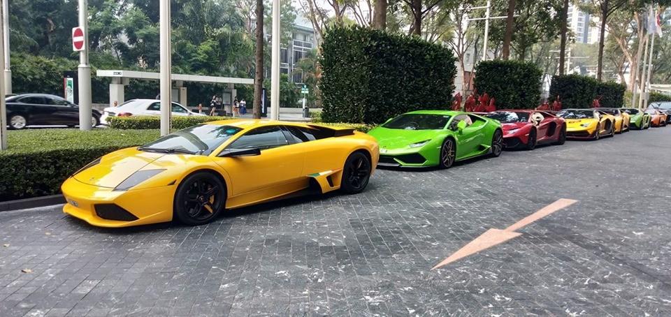 Dàn siêu xe Lamborghini của giới nhà giàu Malaysia sang Singapore xem đua xe F1
