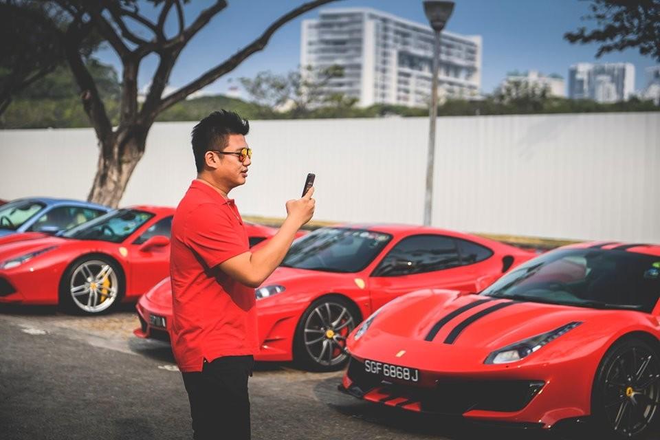 Và Ferrari 488 Pista đang là hai chú ngựa chồm được nhiều nhà giàu Việt nhắm đến