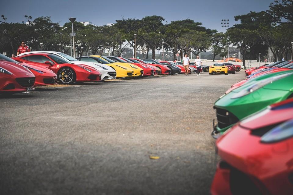 Dàn siêu xe Ferrari của nhà giàu Singapore tụ tập chuẩn bị đi xem giải đua Công thức 1
