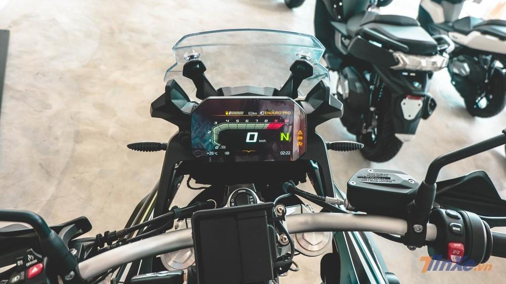 Đồng hồ BMW G850GS là màn hình màu TFT