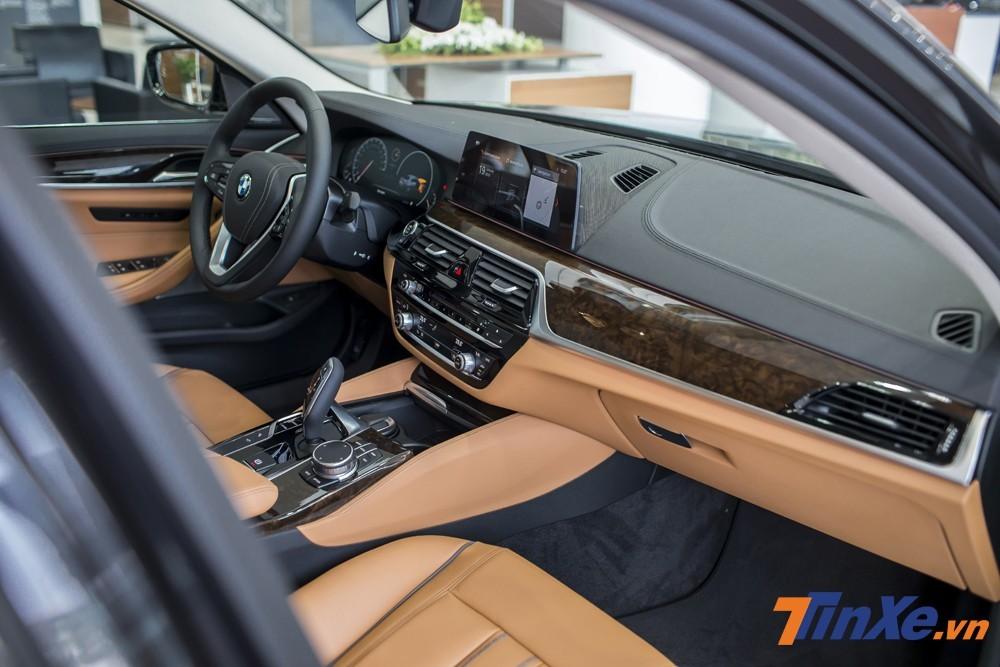 Nội thất của BMW 5-Series